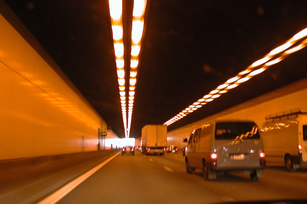 Autobahntunnel2